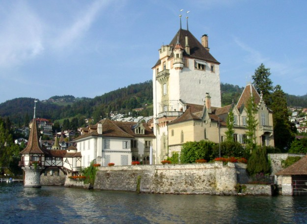 9Zl The Castle